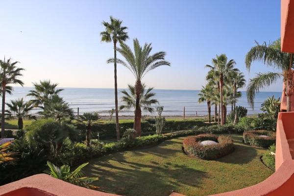 Sold: 3 Bedroom, 2 Bathroom Apartment in Menara Beach, New Golden Mile, Estepona