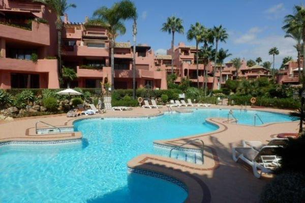 2 Bedroom, 2 Bathroom Apartment For Sale in Menara Beach, Estepona