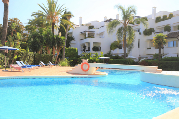 2 Bedroom, 2 Bathroom Apartment For Sale in Alhambra del Mar, Golden Mile