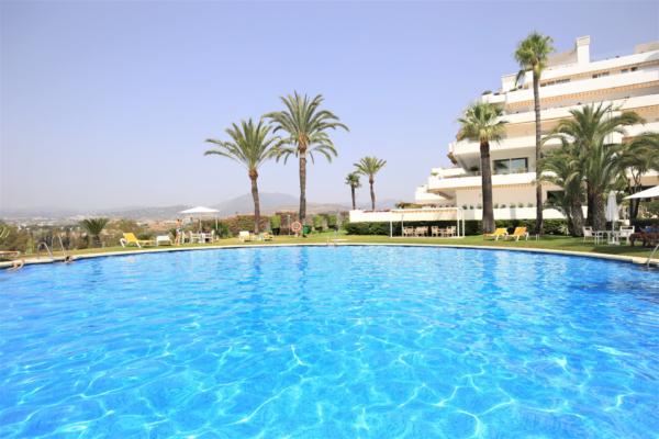 3 Bedroom, 2 Bathroom Apartment For Sale in Marbella Golden Mile